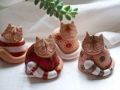 Good link- for purchase Ceramic Pinch Pots, Ceramic Clay, Porcelain Ceramics, Ceramic Pottery, Pottery Animals, Ceramic Animals, Clay Animals, Clay Cats, Ceramic Figures