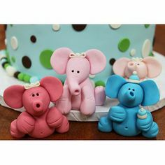 Fondant Elephants....soooo cute! Idea for baby shower cake!