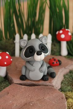 Polymer Clay Raccoon - Miniature Raccoon - Mini Clay Raccoon - Fairy Garden Accessory - Terrarium Accessory – Sculpture – Garden Decoration - Hobbies paining body for kids and adult Polymer Clay Fish, Polymer Clay Figures, Polymer Clay Animals, Polymer Clay Crafts, Polymer Clay Creations, Resin Crafts, Crea Fimo, Biscuit, Clay Fairies