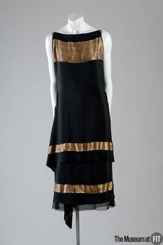 Evening Dress Callot Soeurs, 1924 silk with bands of gold lamé The Museum at FIT 20s Fashion, Moda Fashion, Art Deco Fashion, Fashion History, Retro Fashion, Vintage Fashion, Fashion Design, Club Fashion, Fashion Photo