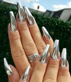 Silver metallic nails @swan_nails