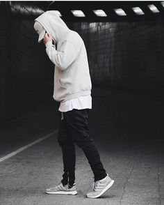 Simple and Crazy Tips: Urban Wear For Men Pants urban fashion casual grey.Urban Fashion For Women Jackets urban wear fashion coats. Urban Dresses, Urban Outfits, Men Looks, Men Street, Street Wear, Black Women Fashion, Womens Fashion, Fashion Fashion, Fashion Vintage