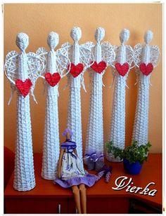 Papierové pletenie :: Vierkine výtvory Christmas Diy, Christmas Decorations, Xmas, Angel Crafts, Newspaper Crafts, Paper Basket, Valentine Heart, Creative Gifts, Diy Paper