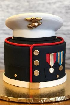 Marine Corps Graduation Cake Design ★ Best graduation cakes for high school and for college, for boys and for girls. Use these simple and unique ideas to your advantage! Cupcakes, Cupcake Cakes, Fondant Cakes, Marine Corps Cake, Graduation Cake Designs, Military Cake, Salty Cake, Cakes For Boys, Boy Cakes