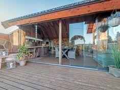 Inspirasjon til uteplass, terrasse, veranda og balkong | uteDESIGN Pergola, Outdoor Decor, Home Decor, Fantasy, Patio, Decoration Home, Room Decor, Outdoor Pergola, Home Interior Design