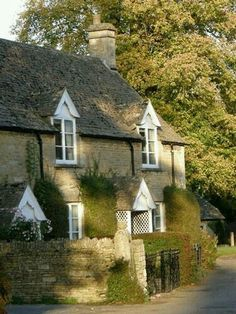 Cotswolds - I always thought that when I retire or such i would move out to the countryside of England. Cottage Farmhouse, Cozy Cottage, Cottage Homes, Cottage Style, Tudor Cottage, Cottage Gardens, Cottages England, Cotswold Cottages, English Cottages