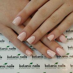 Pretty simple nails