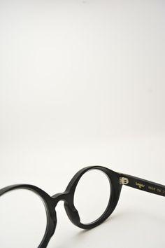 Logos ANDREA black and grey sunglasses #glasses #eyewear #logos #roundshape #blackmatte #bassanodelgrappa #designglasses #design #cheap online store at www.bassanooptical.com