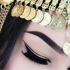#EyeMakeup black & gold #eyeliner @stylexpert