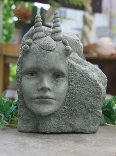 "Skulptur ""Meerjungfrau"" von der Bildhauerin Andrea Langhanki"