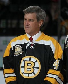 Bobby Orr - Boston Bruins,dropping the puck 90 years celebrating Bruins Hockey Nhl Highlights, Hockey Teams, Hockey Stuff, Sports Teams, Chris Chelios, Boston Bruins Hockey, Chicago Blackhawks, Bobby Orr, Patrice Bergeron