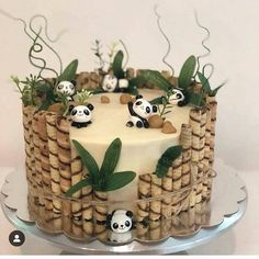 Get ready for Camilla's birthday - radakido - - Festtagstorten - Desserts Pretty Cakes, Cute Cakes, Bolo Panda, Panda Panda, Panda Bears, Cute Panda, Just Desserts, Dessert Recipes, Panda Cakes