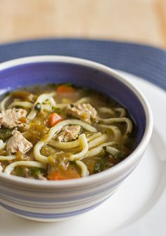 A Hearty and Healthy Green Chile Chicken Noodle Soup with Roasted Garlic and Homemade Noodles Healthy Dishes, Healthy Recipes, Chicken Noodle Soup, Cooking Turkey, Roasted Garlic, Kitchen Recipes, How To Cook Chicken, Soups And Stews, Mexican Food Recipes