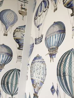 Hot air balloon wallpaper. Bathroom, Paris