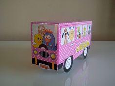 Caixa para guloseimas galinha pintadinha versão rosa,podemos fazer em azul ou qualquer outra cor.  Fazemos também outros temas.