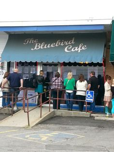 Bluebird Cafe Maybe we will run into our friends from the show! Nashville Map, Blue Bird, Four Square, Tennessee, Singer, How To Plan, Country, Chic, Friends