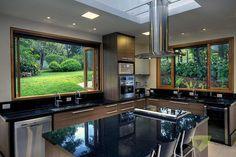 Casa de Campo Quinta do Lago - Tarauata: Cozinhas por Olaa Arquitetos Kitchen Room Design, Modern Kitchen Design, Home Decor Kitchen, Modern House Design, Interior Design Kitchen, Country Kitchen, Cuisines Design, House Plans, Sweet Home
