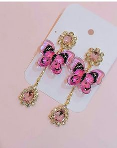 If you own valuable fashion jewelry such as diamond earrings, pendants, diamond rings, or other great jewelry items, you can keep these items for a lifetime if you look after them. Kawaii Jewelry, Pink Jewelry, Cute Jewelry, Jewelery, Jewelry Accessories, Cute Earrings, Beautiful Earrings, Dangle Earrings, Stone Earrings