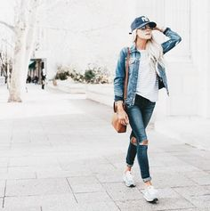 You can never wear too much denim. Loving this off-duty look from @happilyeverallen