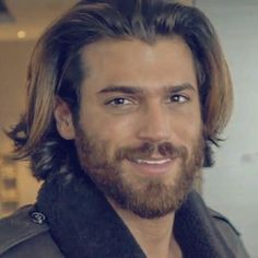 Can Yaman Turkish Men, Turkish Actors, Trendy Mens Hairstyles, Men's Hairstyles, Awesome Beards, Hot Actors, Gorgeous Men, Beautiful, Beard Styles