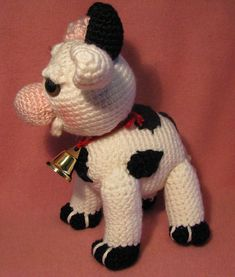 Ravelry: MollyMoo The Amigurumi Cow pattern by Armina Parnagian Crochet Cow, Crochet Animals, Crochet Hooks, Cow Pattern, Free Pattern, Blush On Cheeks, Crochet Basics, Softies, Single Crochet