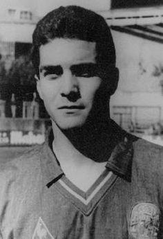 GUILLERMO AMOR MARTINEZ AMOR 4/12/1967 Benidorm, Alicante (España) Goles: 4 Partidos Jugados: 37