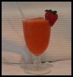copycat strawberry tsunami/surfrider smoothie from Jamba! Can't wait to try :)