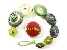 ARMBAND ♥ Vintage Buttons & Grüntöne von INANITAS auf DaWanda.com
