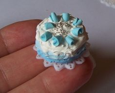 tarta de merengue azul