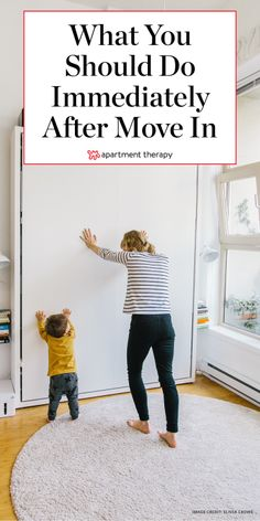 What to do the first 24 hours in a new house or apartment: These ideas are great for people on a cheap DIY budget, or if you're building a place from the ground up and moving in. Home Design, Interior Design, Modern Design, Design Ideas, Apartment Therapy, First Apartment Checklist, New House Checklist, Moving In Checklist, Building A House Checklist