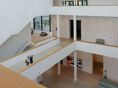 "Art Gallery, Mannheim (GER) Architect: gmp.Architekten von Gerkan Marg und Partner Photographer: ©Michael Meschede One of the largest German museum buildings. The new museum building at Mannheim's Friedrichsplatz joins the existing Art Nouveau building, the so-called billing building. In the ""city in the city,"" exhibition and function rooms are arranged as individual structures around a central atrium and connected by galleries, terraces and bridges.  #architecture #design #building Spring Art Projects, Art Projects For Teens, Halle, Atrium, Function Room, New Museum, Digital Art Girl, Design Museum, Art Background"