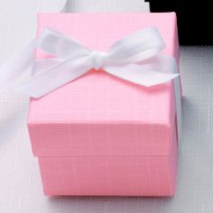 Two-Piece Colorful Wedding Favor Box (available in other colors) | #exclusivelyweddings | #pinkwedding