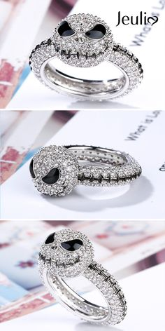This Sterling Silver Jack Skull Ring with A Long Black Seam Is Studded with Sparkling Jeulia Stones. Extra 15% Off Now! Jeulia Offers High-Quality And Affordable Jewelry. #JeuliaJewelry #SkullRing#ChristmasGift