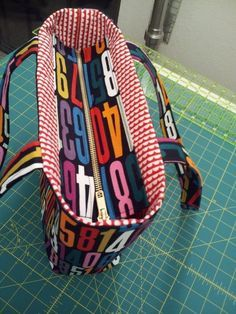 How to Add a Recessed Zipper to a Tote - Free Sewing Tutorial from StitchLab Blog: