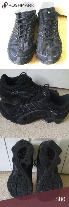 Size 10 women's Nike shox Worn only a few times. Like new!! Nike Shoes Athletic Shoes