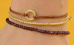 beautiful handmade bracelets Garnet Bracelet, Handmade Bracelets, Jewelry Ideas, Jewelry Making, Chain, My Style, Pretty, Tips, Gold