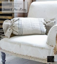 Oblong Linen Pillow(Stripe 1) - Jeanne d'Arc Living