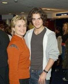 Max Iron's mom, Sinead Cusack, and Henry Cavill Young Henry Cavill, Henry Cavill Eyes, Superman Cavill, Henry Superman, Uk Actors, Actors & Actresses, Most Beautiful Man, Gorgeous Men, Cute Celebrities