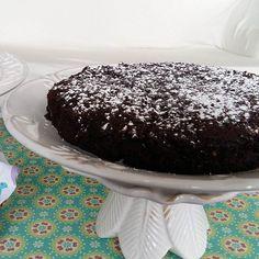 Detalhe do nosso Brownie sem glúten e lactose.  #birthday #brownie #glutenfree #lactosefree @donamanteiga #donamanteiga #danusapenna #bolos&delicias www.donamanteiga.com.br