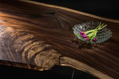 wood slab table- wood pattern beauty of Parota wood