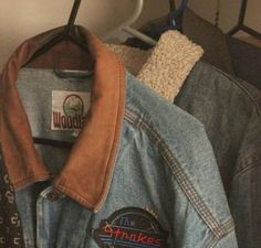 These are the nicest summer jackets for the coming season - Jacke Mode Ideen Fashion Moda, Look Fashion, 90s Fashion, Retro Fashion 80s, Fashion Clothes, Fashion Women, Retro Aesthetic, Aesthetic Clothes, Looks Style