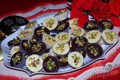 Oříšky, rozinky, mandle, piškoty, sušenky, marmeláda, čokoláda, kokos, pistácie, toto všechno tvoří základ pro Vánoce. Připravili jsme si pro vás recept, který si zamilujete. Ze všech vynikajících surovin, které jsou Vánocům velmi blízké. Autor: sladkosti