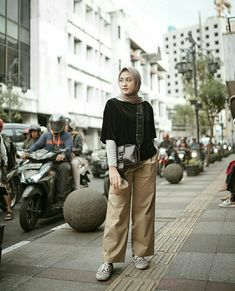 Ideas For Fashion Modest Casual Jeans Casual Hijab Outfit, Hijab Chic, Casual Outfits, Fashion Outfits, Hijab Fashion Casual, Hijab Fashion Summer, Casual Ootd, Modest Fashion, Street Hijab Fashion