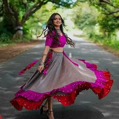 23 Trendy Full Neck Blouse Designs of This Year Choli Blouse Design, Choli Designs, Lehenga Designs, Blouse Neck Designs, Garba Dress, Navratri Dress, Indian Attire, Indian Wear, Indian Designer Outfits