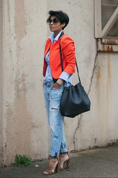 Girlfriend Jeans and a Pop of Color Blazer 79th and Lynn //Jeans HM also like Here//Bucket Bag Shop Prima Donna//Leopard Sandals Nasty Gal {Sold Out) Similar Here//Shirt Forever21 Kyrzayda