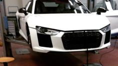 This may very well be a leaked image of the 2016 Audi Expect the new supercar to get its official debut at the upcoming Geneva Motor Show. Audi A, Audi R8 2016, Audi R8 Car, New Audi R8, Super Fast Cars, Automobile, Geneva Motor Show, Digital Trends, Latest Cars
