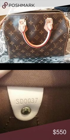 💯% auth LV speedy 25 In excellent shape.. It looks like it hasn't been used. Hardly see any flaws. Comes with lock and 2 keys/dustbag and a protective box. ✨No receipt included✨❌🚫no trades plz🚫❌ 🅿️🅿️-> $485 firm. Louis Vuitton Bags Satchels