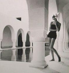 Louise Dahl-Wolfe, Natalie in Hammamet, 1950