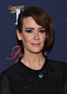 sarah-paulson-fx-networks-2017-all-star-upfront-in-new-york-3.jpg (1280×1792)