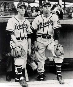 Warren Spahn and Johnny Sain of the Boston Braves pose for a… News Photo : Warren Spahn and Johnny Sain of the Boston Braves… Braves Baseball, Baseball Players, Baseball Cards, Baseball Stuff, Softball, Hockey, Baseball Series, Baseball Classic, Baseball Pictures